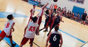 Sportivo Pilar y Deportivo Arenal disputando su encuentro del clasificatorio U15